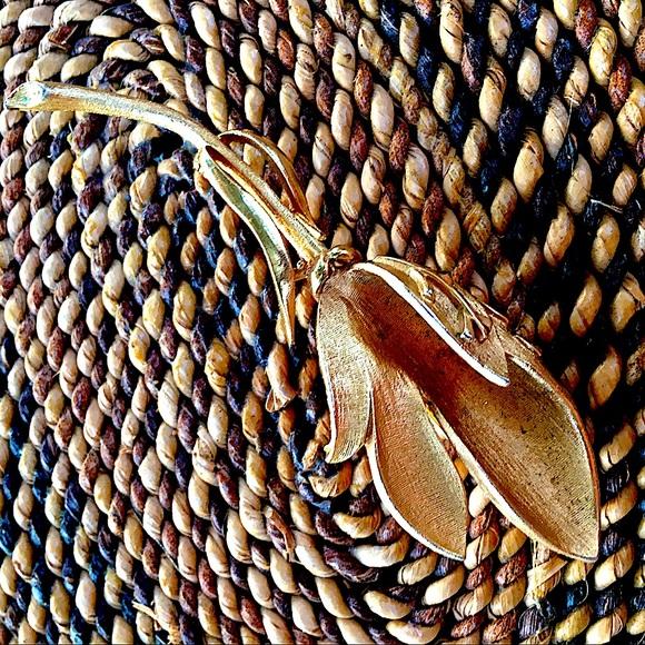 Golden Bud Unfolding Pin 60s by Coro